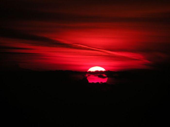 800px-Sunrise_in_Constanta,Romania